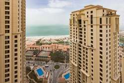 Large 2 Bedroom Apartment with Sea Views