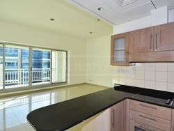 Spacious 2 bed with good view in Westside Marina