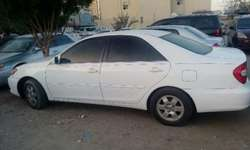 Camry toyota 2004 in a good condition